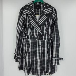 XOXO Black & white plaid lightweight spring coat